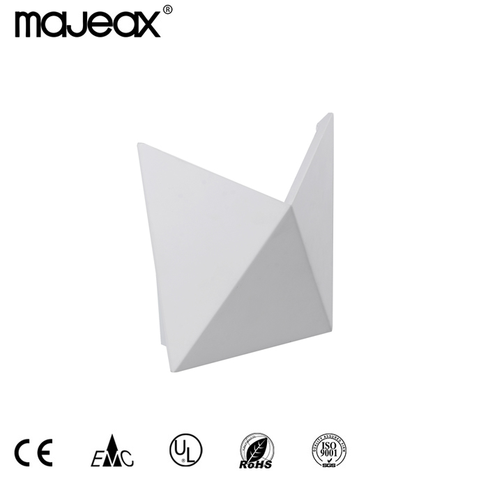 Surface Mounted Wall lamp MW-8527
